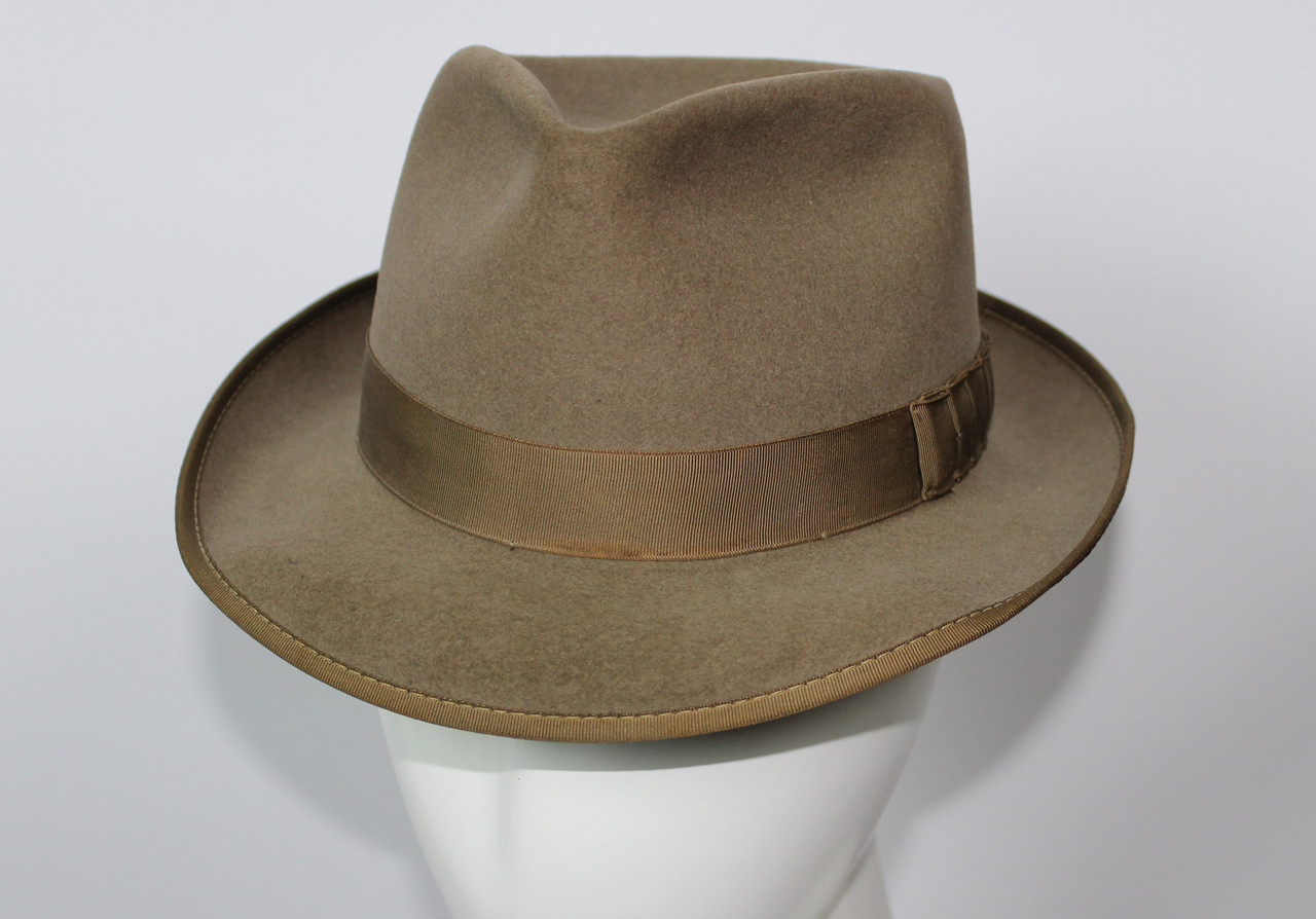 Men s Vintage 1950s Adam Pacesetter Fedora Hat with Shark s Gill Bow 39bdee5a602