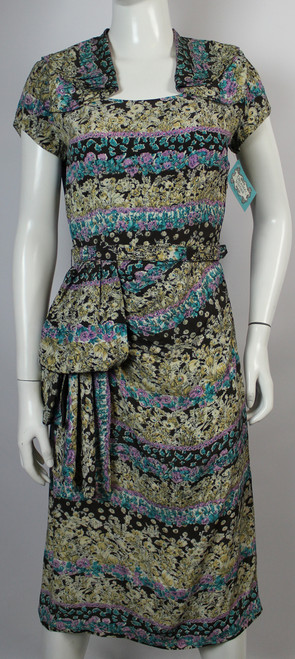 Vintage 1940s Paula Brooks Printed Silky Rayon Day Dress