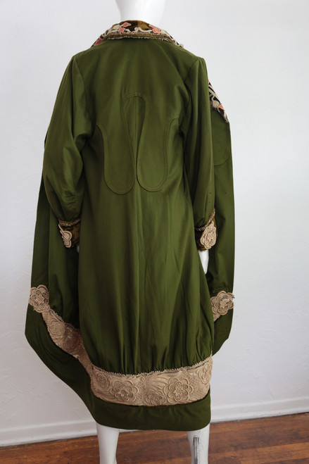 1900s Olive Green Jacket W Silk Lining Velvetlace Detail