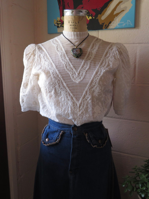 Floral  Lace Blouse w/ Buttons on Back