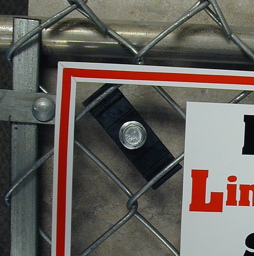 LinKlip Chain Link Fence Sign Mounting Clip