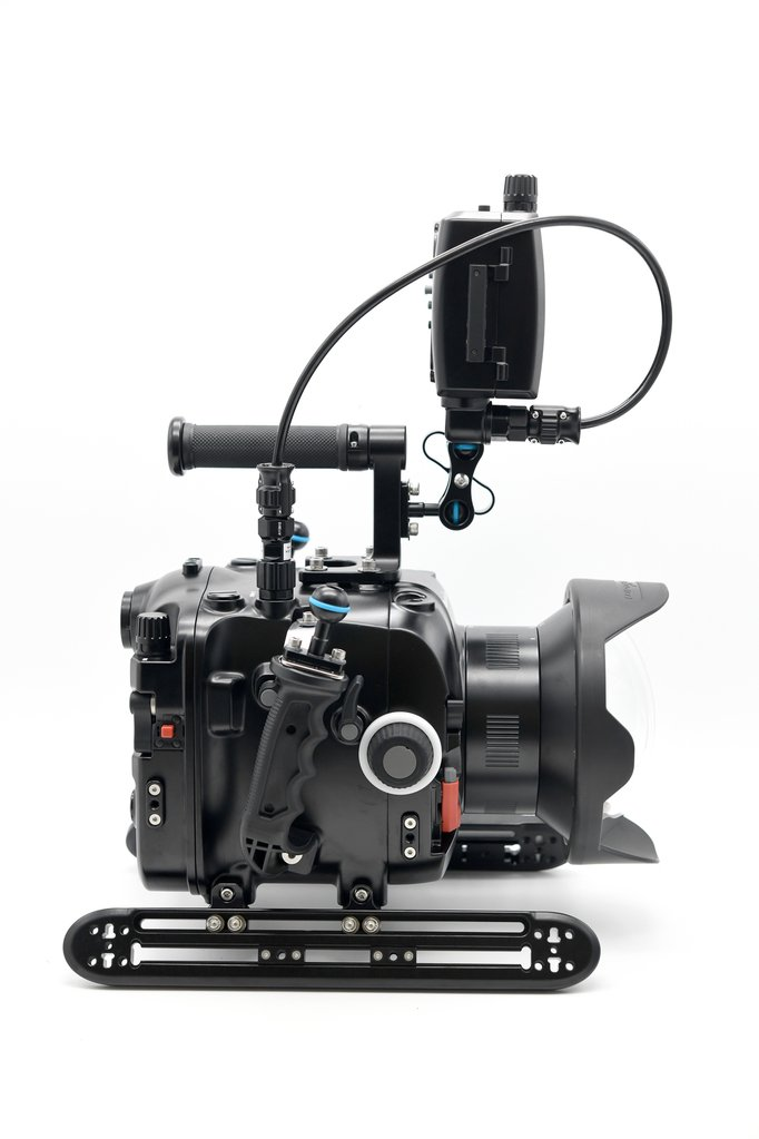 16114 Nauticam NA-EVA1 Housing for Panasonic AU-EVA1 5.7K Super 35 Handheld Cinema Camera