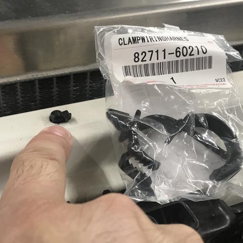 80 Series Harness Clip-Core Support (CLIP-1)