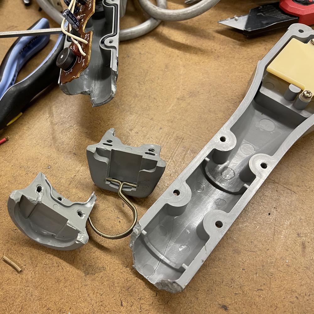 105-damaged-winch-controller.jpeg