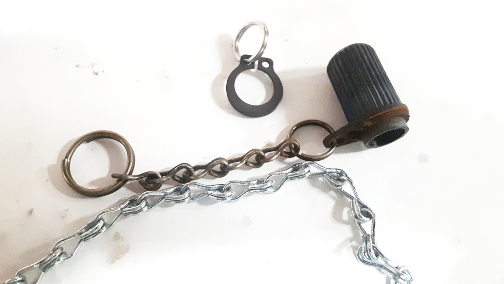 92-winch-handle-cap-chain.jpg