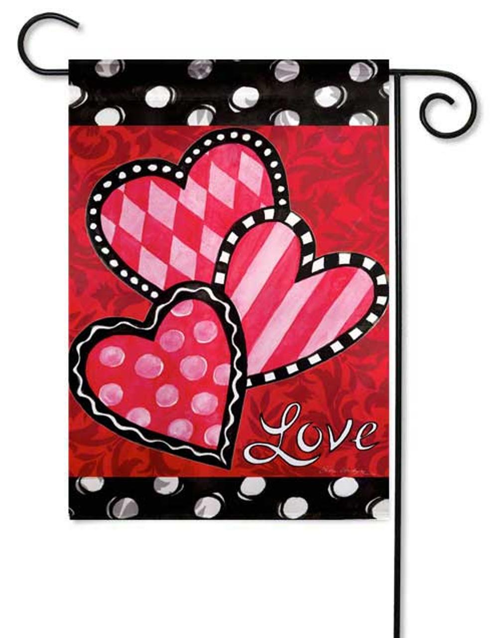 Bright Valentine S Hearts Garden Flag By Evergreen 12 5 X 18 Garden Flags