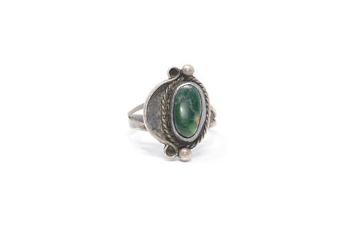 Navajo Dark Green Turquoise Cast Set Asymmetrical Sterling Silver Ring Size 8 1/2