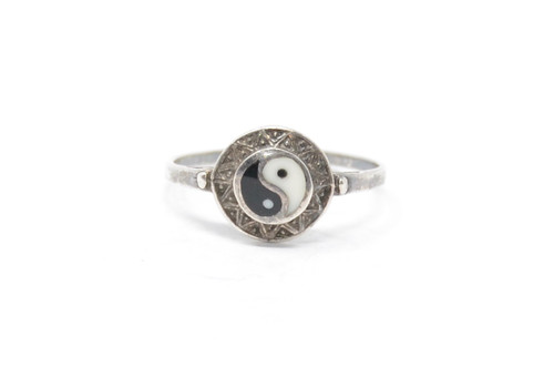 Ying Yang Enamel Sterling Silver Ring Size 8 1/4