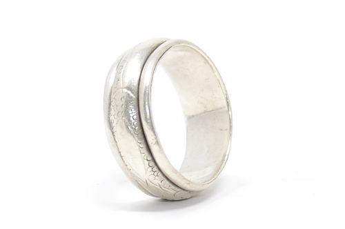 Sterling Rotating Dragon Scale Band Ring