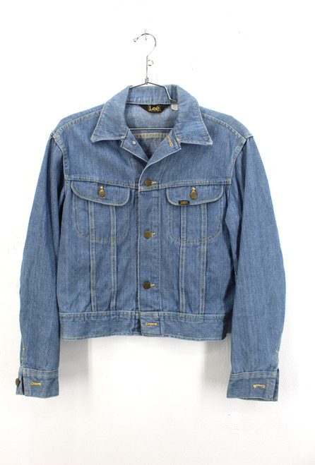 Lee Soft Light Mid wash Denim Jacket. Made in USA.  Fits Like Mens Small Size 36