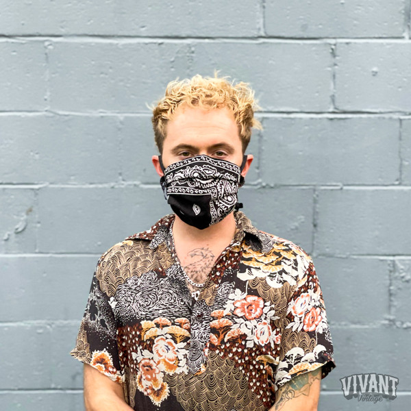 """Frontliner"" Reusable Bandana Face Covering by Vivant"