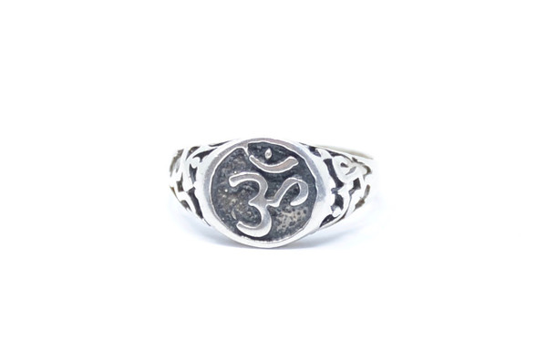 Devanagari Om Symbol Stamped Sterling Silver Ring Size 8