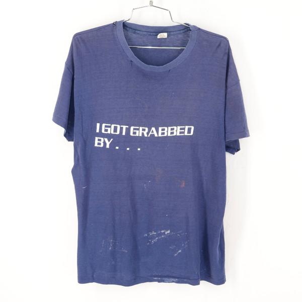 """Hanes USA """"I got grabbed by…"""" Bahamas Navy T Shirt XL"""