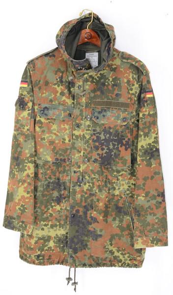 90's German Military Camouflage Zip Up Hooded Jacket | Men's Medium