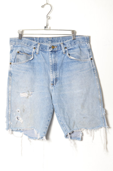 "Wrangler Thrashed Light Wash Cutoff Denim Shorts 34"""