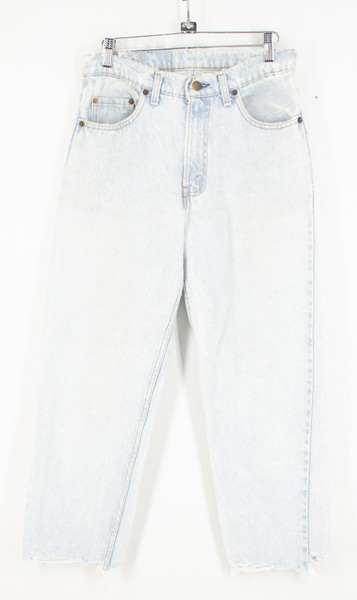 """Levis Relaxed Fit Distressed Light Wash Jeans. Size 29"""" Waist"""