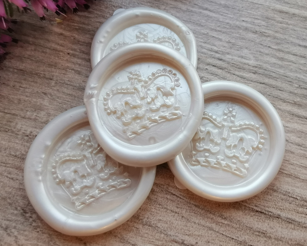 Royal Crown Peel and Stick wax sticks - colour White Pearl