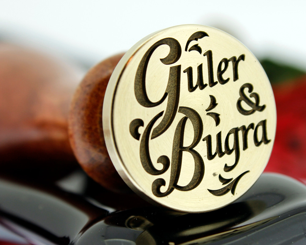 Example Guler & Bugra, photo reversed