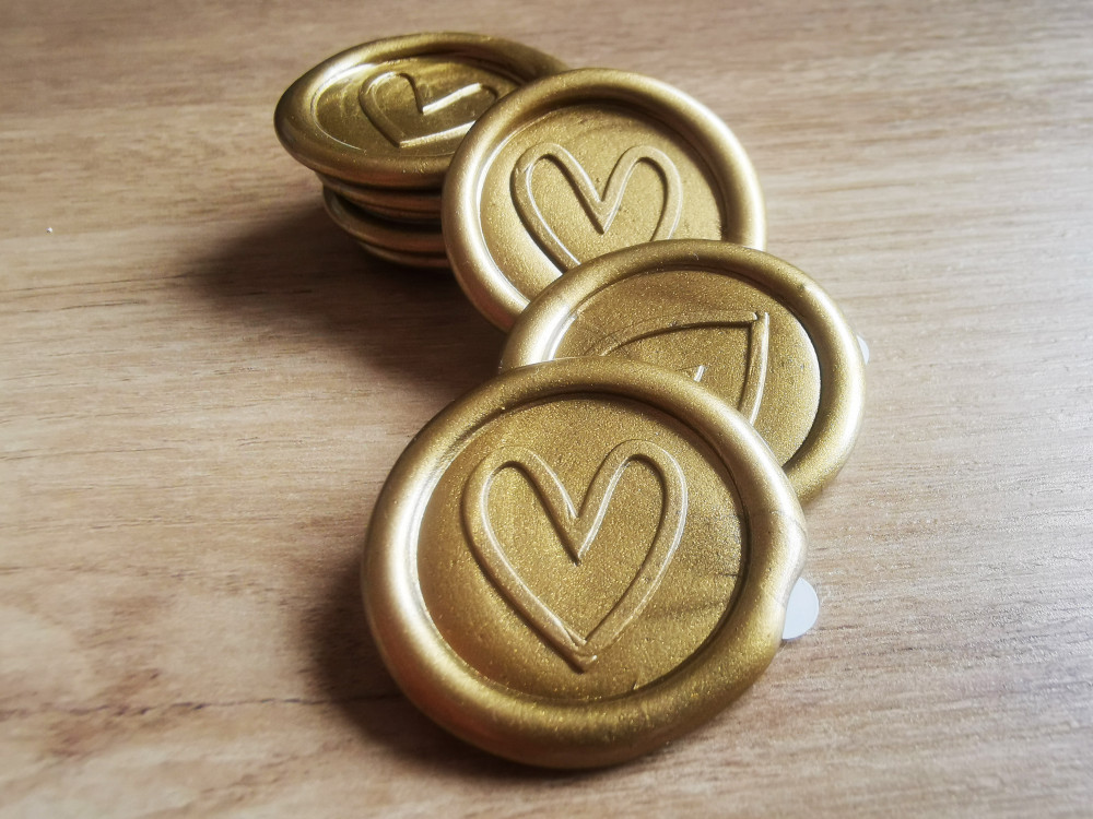 Contemporary Heart Peel and Stick wax seal sticker - 9ct Gold Pearl