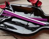 Plum ribbon tear tapes for bottle sealing