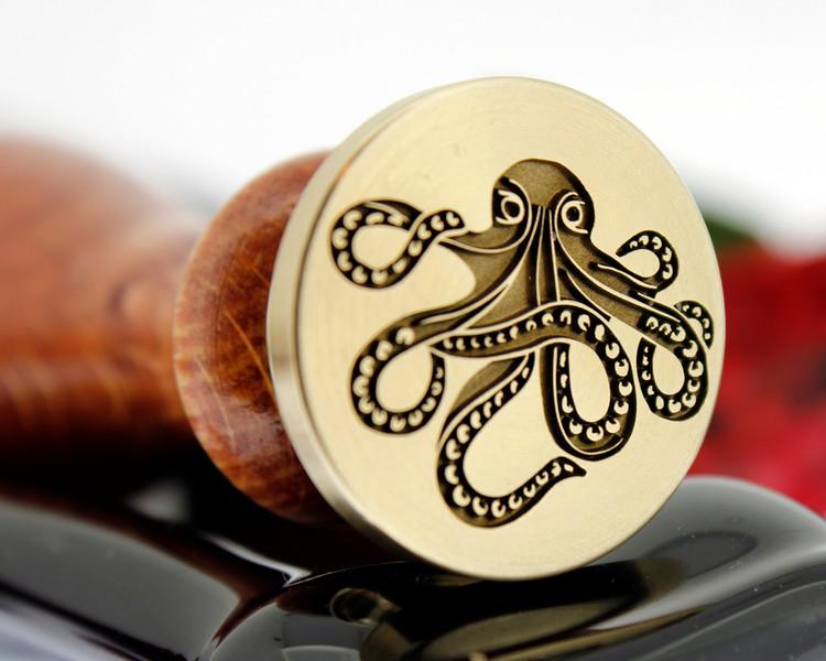 Steampunk octopus - photo reversed