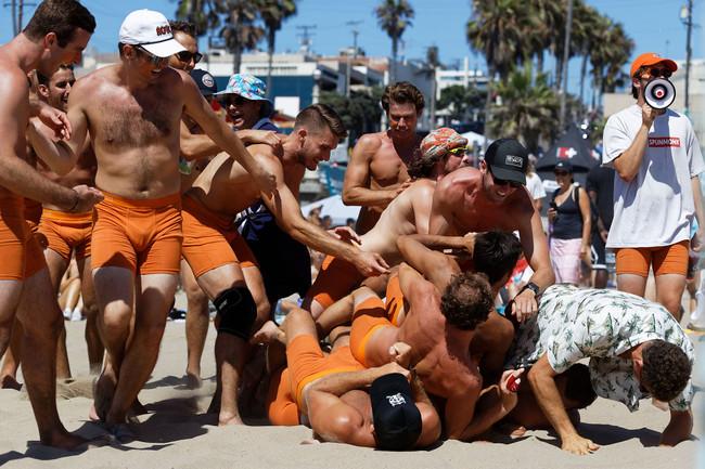 Charlie Saikley 6-Man beach volleyball tournament in Manhattan Beach - It's Like Christmas!