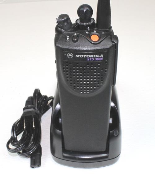 Motorola XTS3000 Model 1 UHF (450-520MHz) Portable Radio