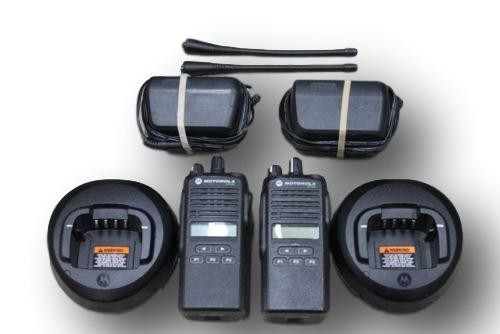 Motorola CP185 UHF 435-480 Mhz 16 Channels 4 W Radios (Set of 2)