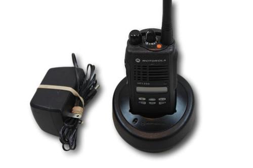 Motorola HT1250 UHF (450-512MHz) Portable Radio (Ltd Keypad)