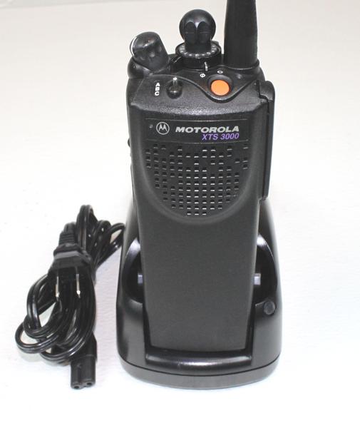 Motorola XTS3000 Model 1 VHF (136-174MHz) Portable Radio