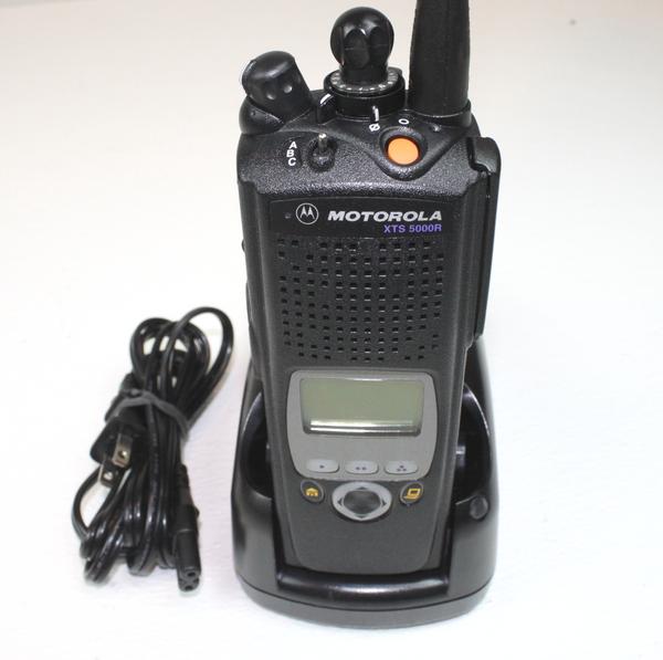Motorola XTS5000 Model 2 800MHz Portable Radio