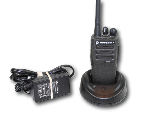 Motorola CP200D UHF (438-470 MHz) 16 ch Portable Radio (Analog)