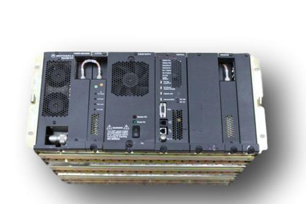 Motorola Quantar 900MHz GOLD Chassis Repeater (100W)
