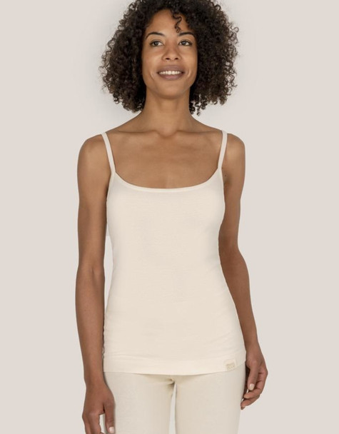 The cotton is totally pure, free from dyes, toxic chemicals and carcinogens