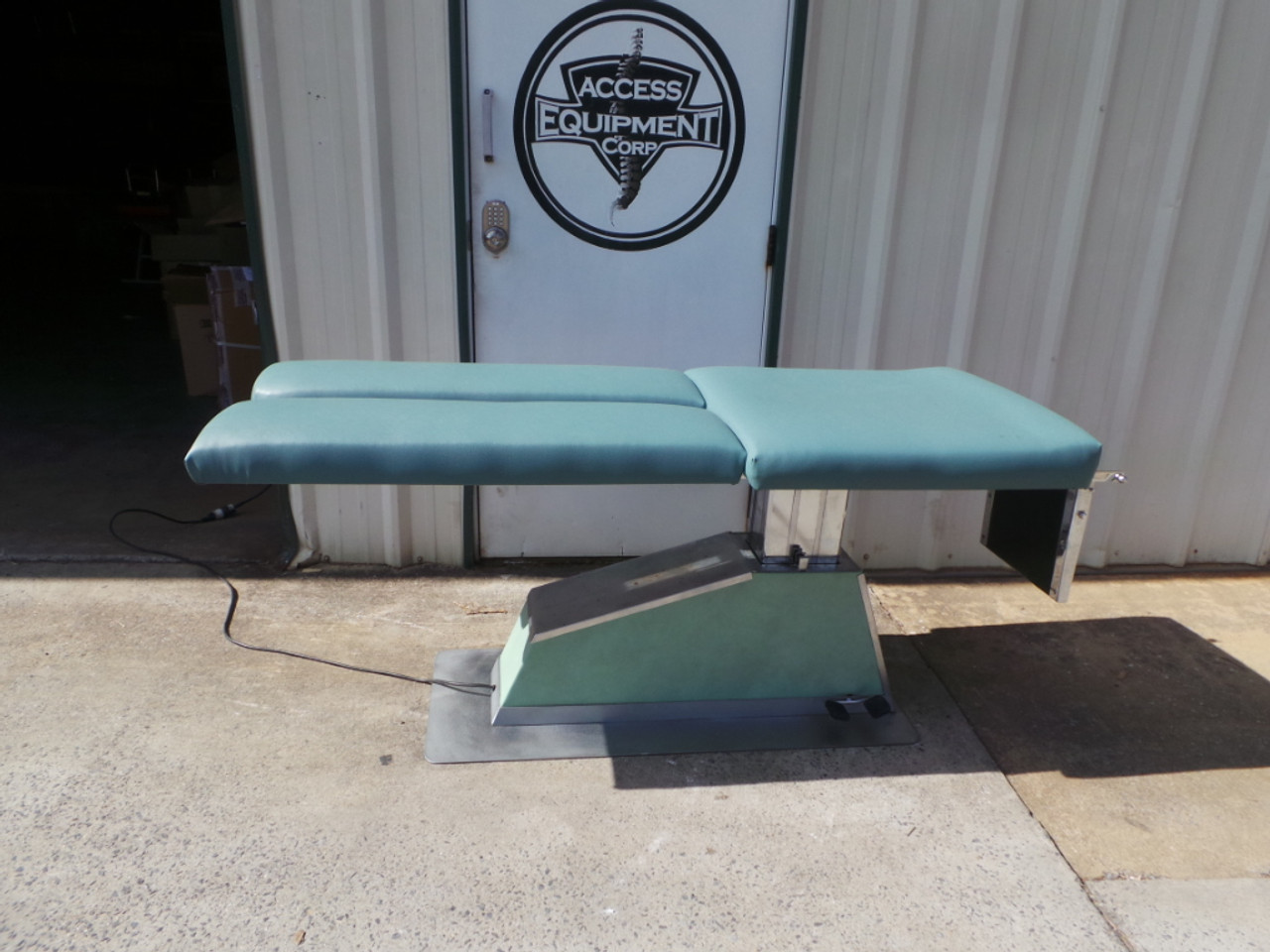 Used KYRO MFG Activator Hylo & Elevation Table
