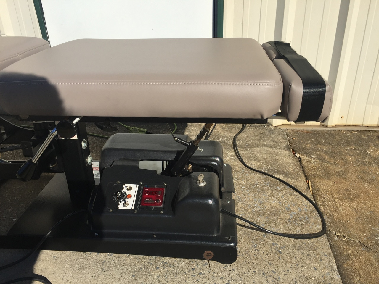 Used Titan Stationary Auto Flexion Table With Pelvic Drop,Dorsal Drop & Cervical Drop