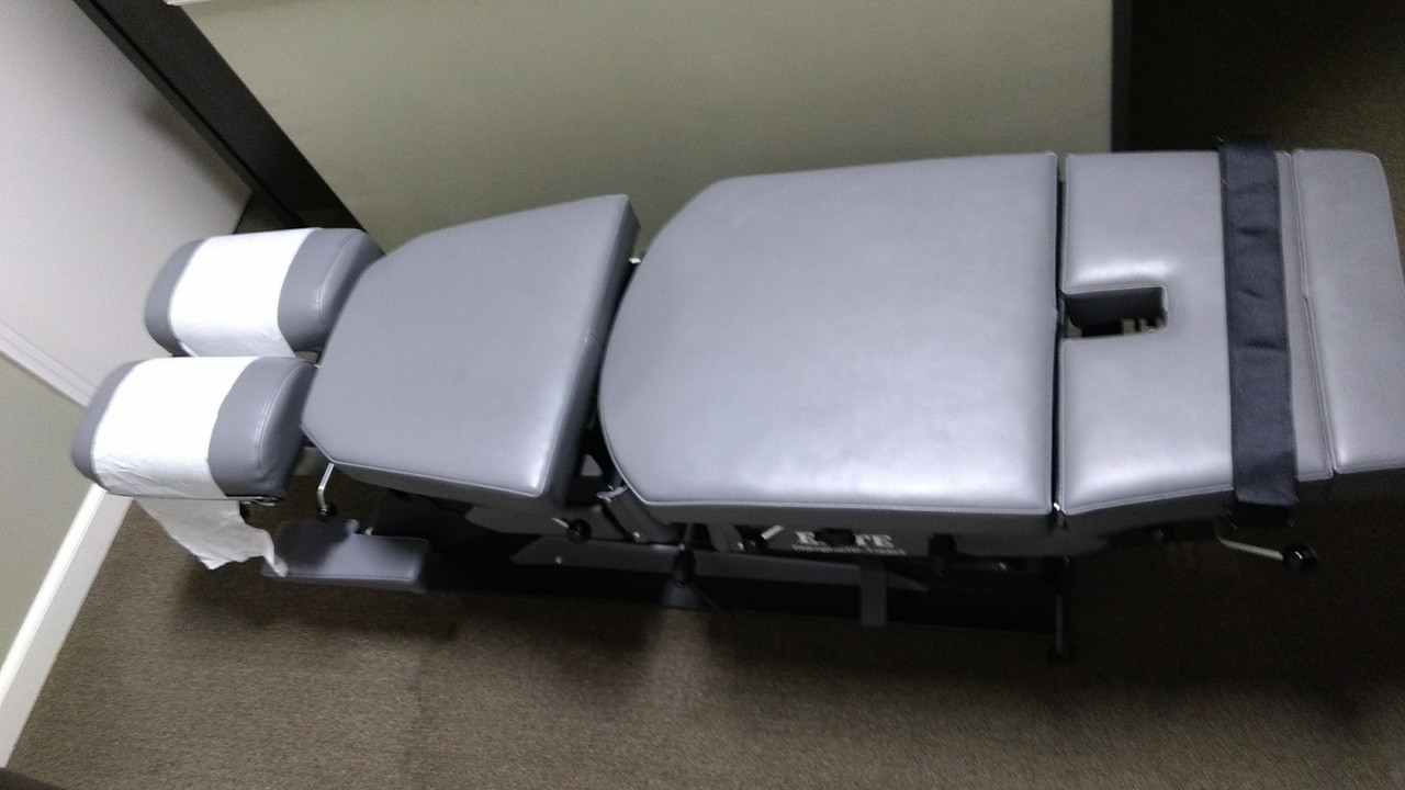 Demo Elite Stationary  Manual Flexion Table with 2 Drops