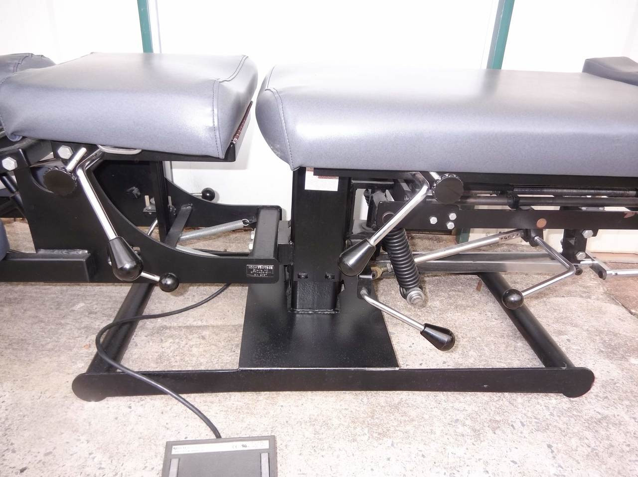 Used Titan Elevation Manual Flexion Table