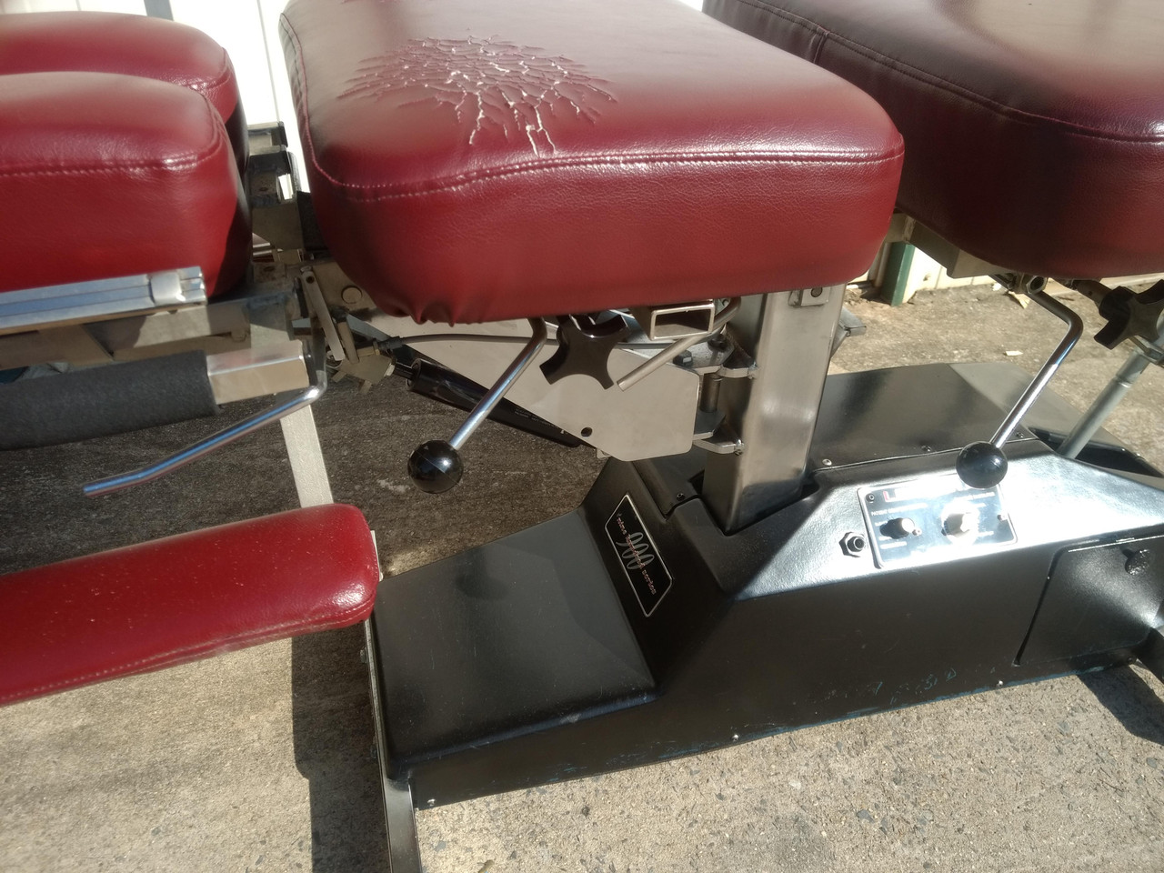 Used Leander 950 Auto Flexion Elevation Table