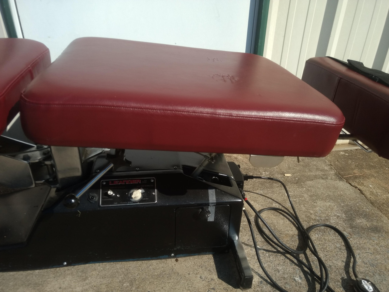 Used Leander 900 Auto Flexion Elevation Table with 3 Drops