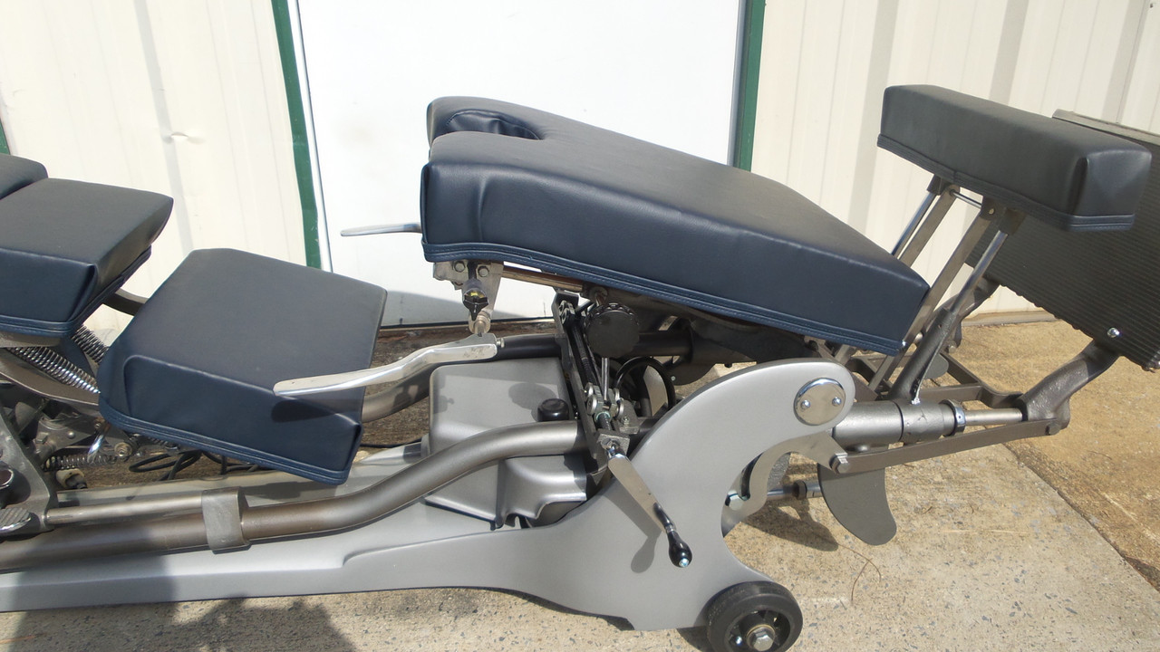 Zenith 210 CI Hylo Table  Elevating pelvic /Pelvic & Upper section also slides for Patient Height