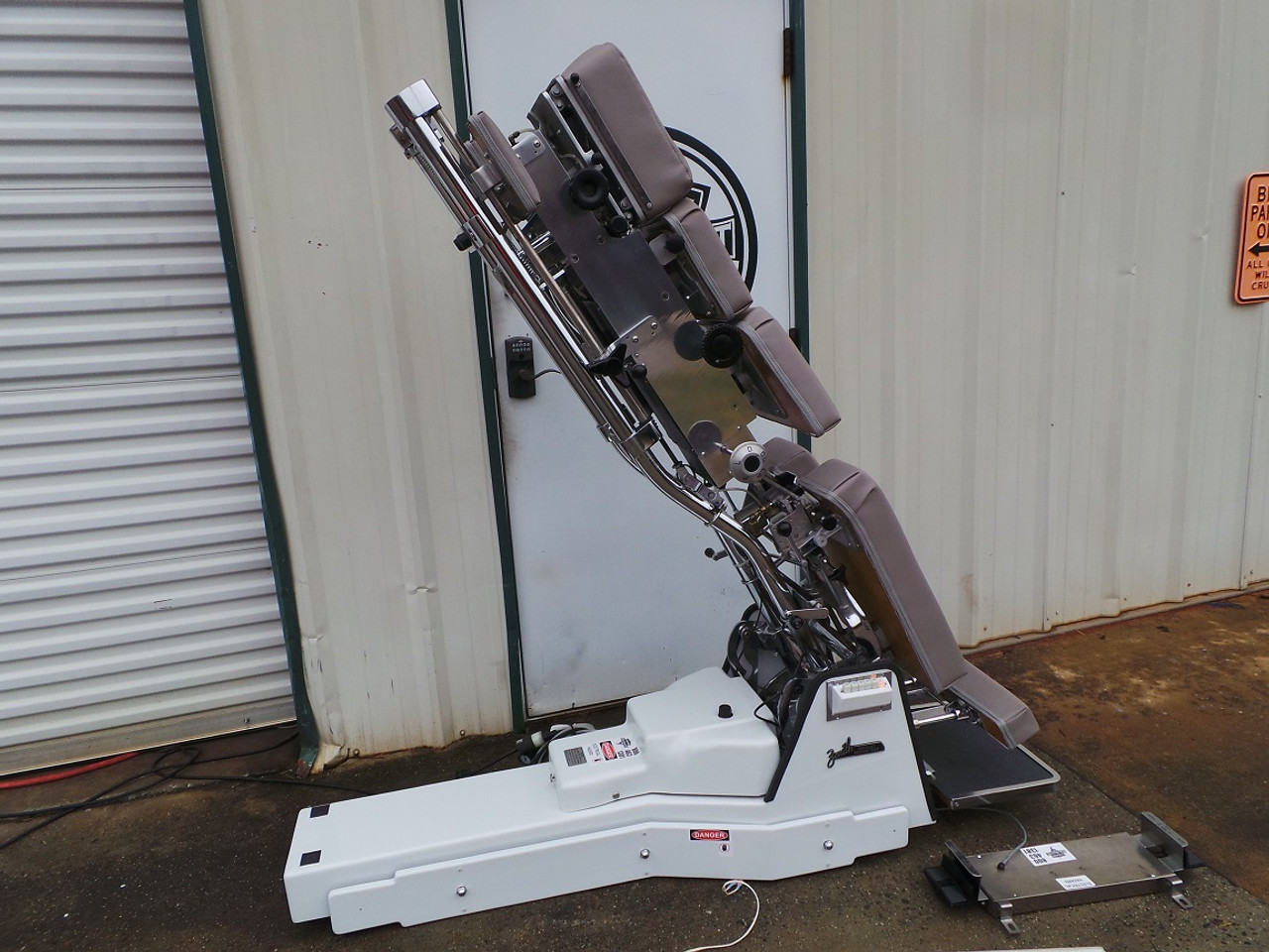 Used Zenith 460F Vertilift Table Includes Air CD,DD,LD & PD