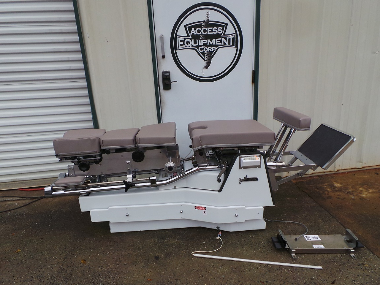 Used Zenith 460F VL Hylo & Elevation Table Includes Air CD,DD,LD & PD- Shown @ 32 Inch Height