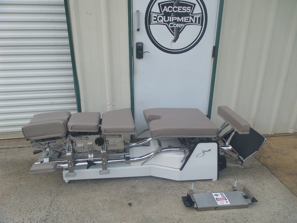 Used Zenith II 320S Hylo Table Includes CD,DD,LD & PD with Tuckaway Footboard
