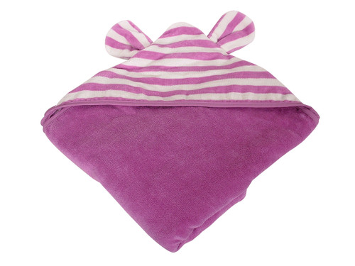 Your bub will feel warm and nurtured with this super long, hooded towel making wrapping your bub a piece of cake.  Dimensions: 128cm x 130cm