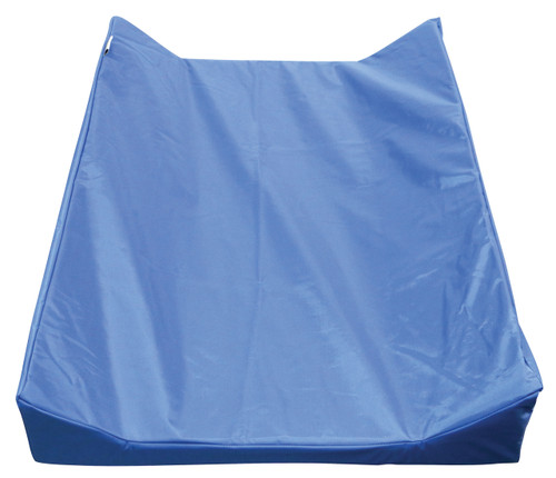 Size: 82 x 56 x 10cm Materials: 100% Nylon Features: High quality and durable Waterproof. Wipe clean. PVC Free