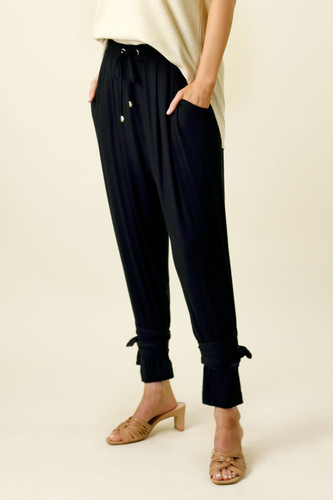 Black Bamboo Tie Slouch Pant