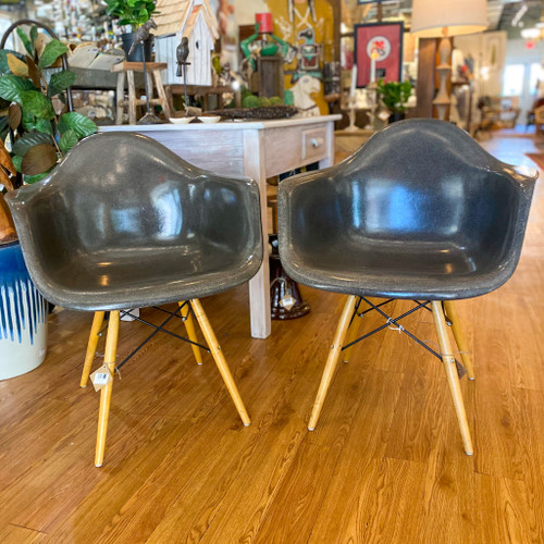1950s Eames Fiberglass Wood Dowel Leg Arm Chair