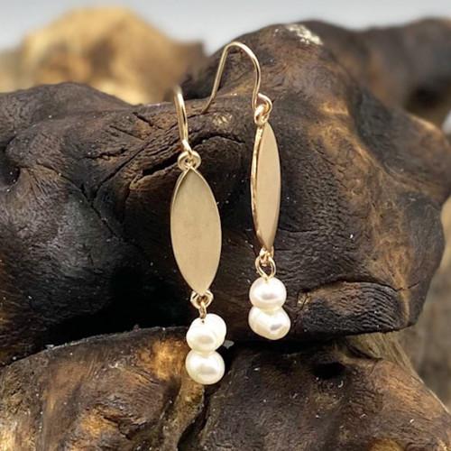 Gold Ellipse Pearl Earrings