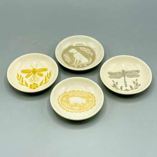 """3"""" round stoneware plate, Bee, dog, dragonfly, or pig"""
